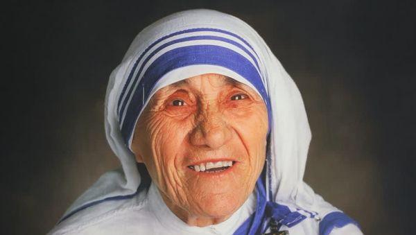 Кем была на самом деле мать Тереза, и почему до сих пор не утихают споры о ее канонизации