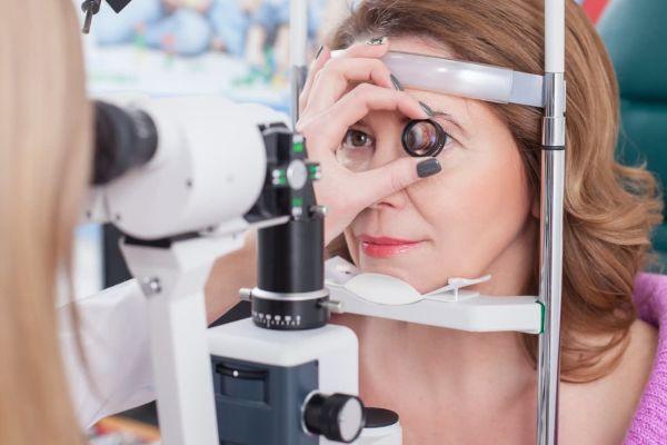 Нехватку витаминов можно распознать по глазам