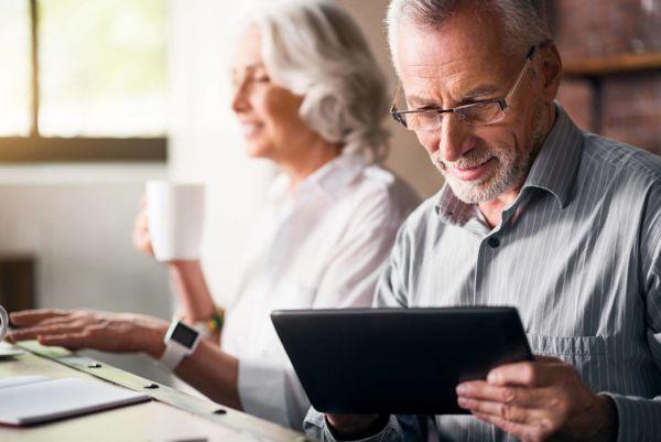 6 гаджетов, которые сделают ваших пожилых родственников счастливее