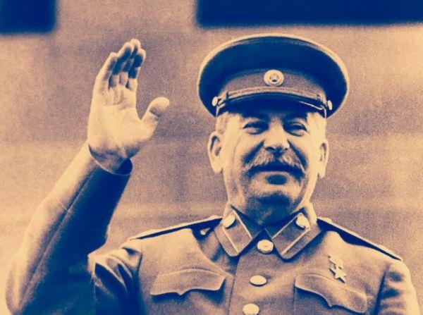 Что подарили Сталину на его 70-летие и почему об этих подарках писали еще 3 года