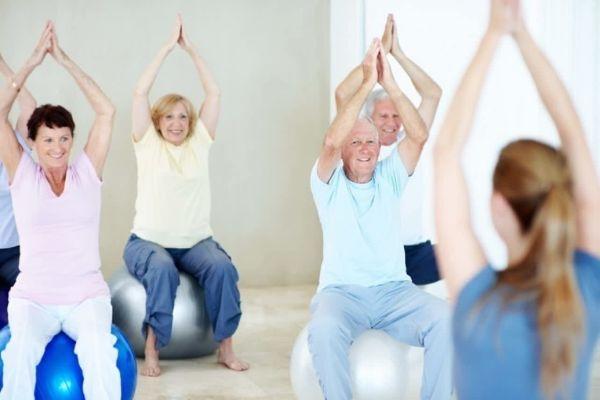 Для тех, кому за 60 — 5 упражнений, которые продлевают жизнь лучше медикаментов