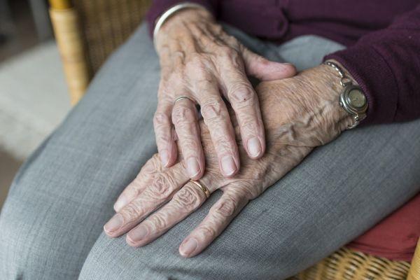 5 вещей, которые нужно делать, чтобы женщине не пахнуть старушкой