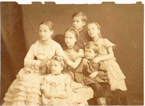 Современные потомки Пушкина женаты между собой - кто остался жив и где они сейчас живут