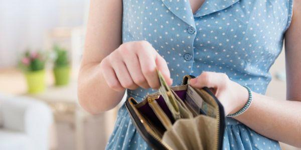 Факторы богатства и денежные законы: как разбогатеть, даже если ты живешь на пенсию или небольшую зарплату