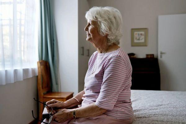 Запах старости или почему пожилые люди пахнут (и как от него избавиться)