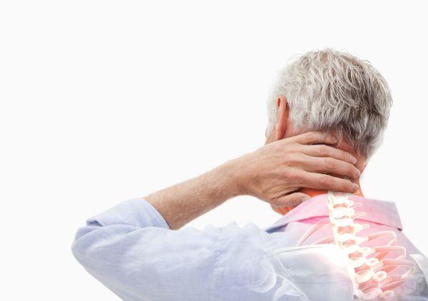 Медики предложили использовать водку в качестве средства для лечения остеохондроза