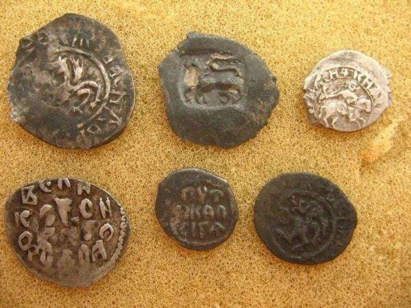Самая крупная серебрянная монета была выпущена в России в 1999 году - и еще 9 уникальных фактов о деньгах