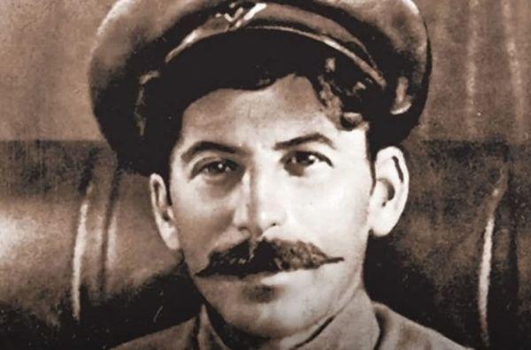 Робин Гуд или уголовник - кем был Сталин до революции?