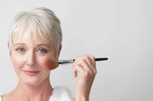 Разный омолаживающий макияж для тех, кому за 40, 50, 60 пошагово