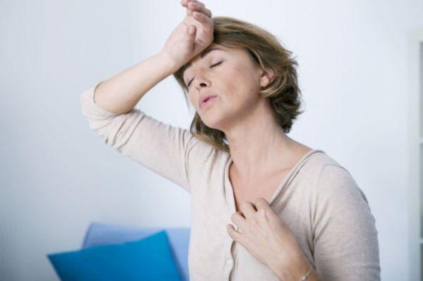 Риск сердечных заболеваний у женщин резко повышается в момент перехода в менопаузу