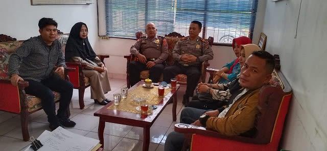 Kapolsek Bangun AKP B Manurung SH menerima kunjungan Panwas Dua Kecamatan