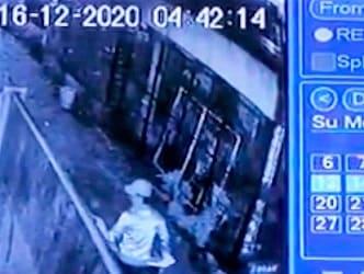 Pelaku yang terekam CCTV