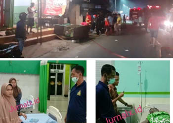 Petugas Damkar saat memadamkan api dan Kapolsek Siantar Barat ITPU Esron Siahaan melihat kondisi kedua pekerja yang luka bakar di rumah sakit