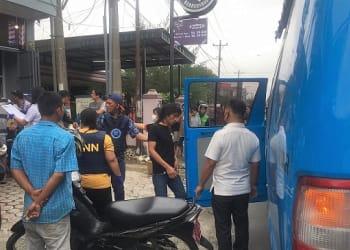 Personil BNN Kota Siantar saat merazia salah satu warnet
