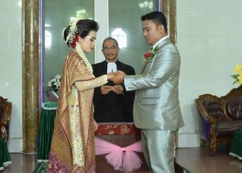 Pernikahan Susi dengan Luncen.
