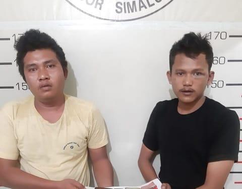 Kedua Pelaku, Jurianto Butar Butar dan April Gapurnomo serta barang bukti