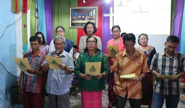 Pengurus dan Anggota Punguan Toga Sihite Boru Bere Kota Siantar saat membacakan liturgi