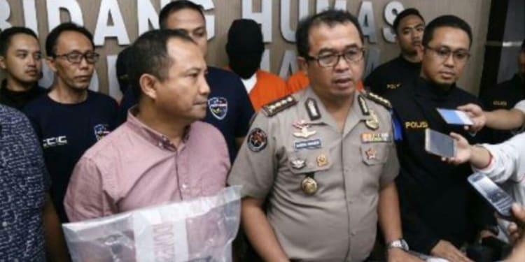 Press Release yang digelar di Humas Polda Jatim. (Sumber: Tulung Agung Times)