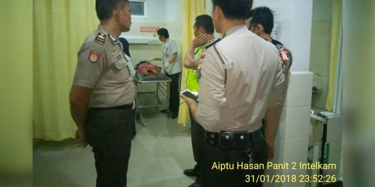 Korban mendapat perawatan di rumah sakit.