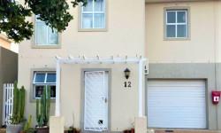Duplex For Sale in Buhrein, Cape Town