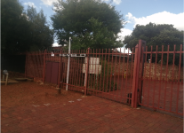 Cluster To Rent in Die Hoewes, Centurion