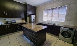 Apartment For Sale in Port Elizabeth Central, Port Elizabeth