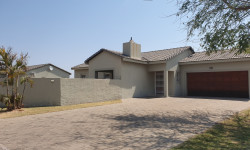 Freestanding For Sale in Onverwacht, Lephalale