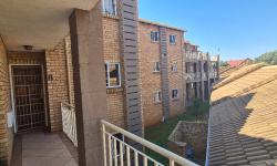 Apartment To Rent in Die Hoewes, Centurion