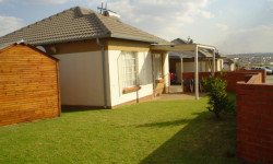House To Rent in The Reeds, Centurion