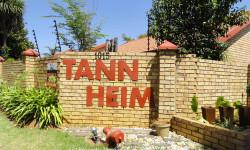 Townhouse For Sale in Moreleta Park, Pretoria