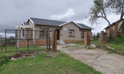 Freestanding To Rent in Mbuqu, Mthatha