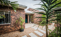 Freehold For Sale in Oatlands North, Grahamstown