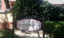 Townhouse To Rent in Boardwalk Meander, Pretoria