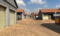 Townhouse For Sale in Middelburg Central, Middelburg