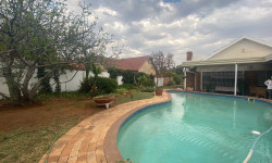 Freehold For Sale in Monument Heights, Kimberley