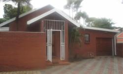 Townhouse To Rent in Rietondale, Pretoria