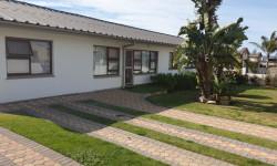 House To Rent in Hartenbos Central, Hartenbos