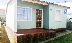 House For Sale in Buffalo Flats, East London