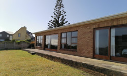 House For Sale in Pearly Beach, Gansbaai