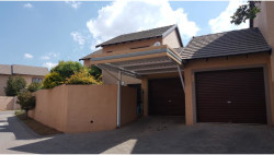 House For Sale in Noordwyk, Midrand