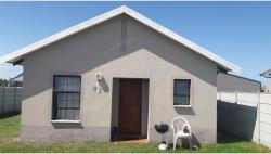 Townhouse To Rent in Parsonsvlei, Port Elizabeth