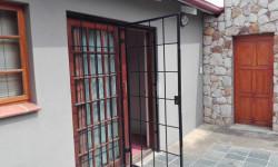 Garden Cottage To Rent in Westdene, Johannesburg