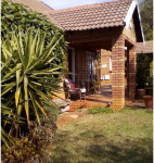 Townhouse To Rent in Clubview, Centurion