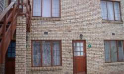 Flat To Rent in Grahamstown Central, Grahamstown