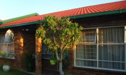 Townhouse To Rent in Krugersdorp North, Krugersdorp