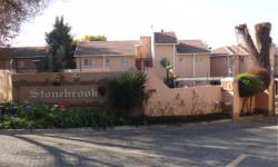 Apartment To Rent in Paulshof, Sandton