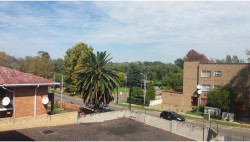 Apartment For Sale in Florida Lake, Roodepoort