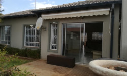 Townhouse To Rent in Amorosa, Roodepoort