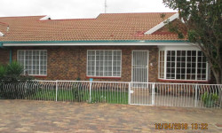Townhouse For Sale in Three Rivers, Vereeniging