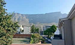 Apartment To Rent in Gardens, Cape Town